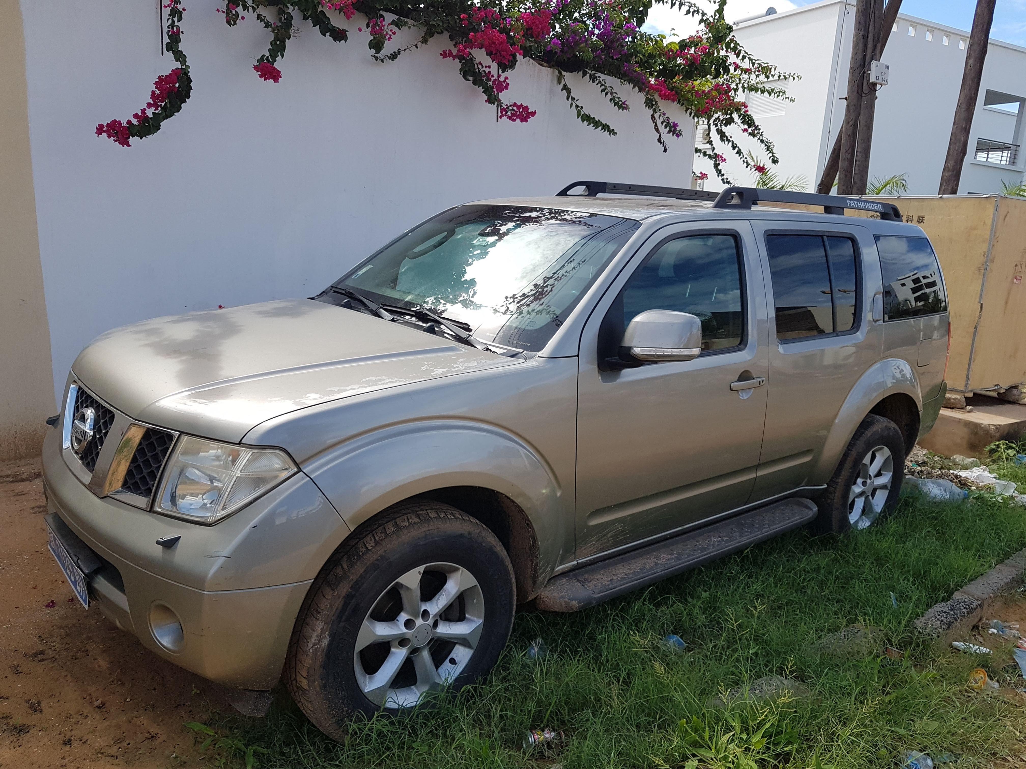 Nissan-Pathfinder-7-PLACES