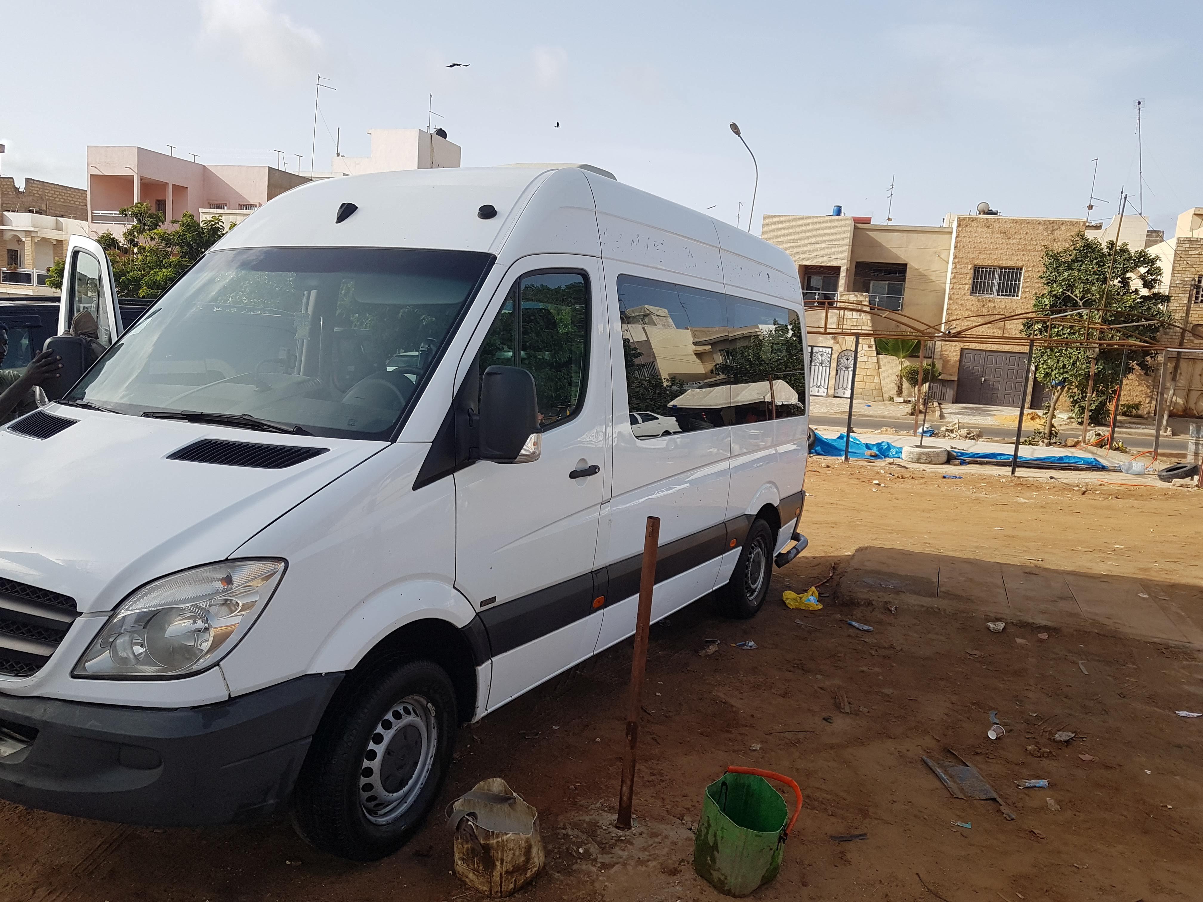 Location Minibus de Luxe à Dakar Sénégal